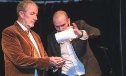 Evento aziendale Milano raffaele scircoli magia illusionismo ipnosi